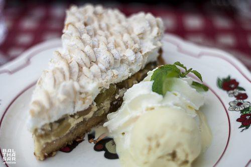 balthasar-photos_restaurant-tire-bouchon-strasbourg_tarte-rhubarbe-meringue
