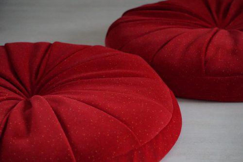 coussins-de-sol-velours-rouge-madeinfrance-alsace-vosges-rosesaleas-ecologique